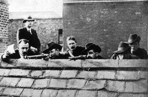 Irish rebels defend Dublin during the Easter Rising
