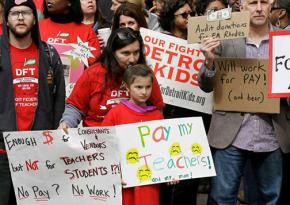 Detroit teachers demonstrated at school district headquarters