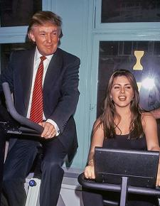 Donald Trump poses for a photo op with former Miss Universe Alicia Machado