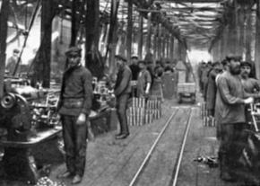 Russian workers in a factory before the First World War