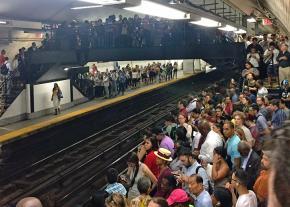 Thousands of New York City commuters stuck underground
