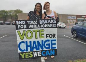 Volunteers for the Yes We Can campaign in Columbus