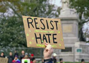 Anti-racists turn out to confront the far-right in Boston