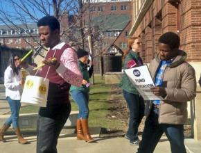 Members of the Graduate Employees' Organization at UIUC on the picket line