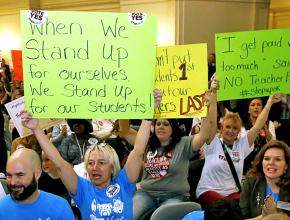 Oklahoma teachers rally for a fair contract