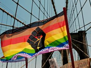 Socialists on the march across the Brooklyn Bridge