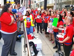 Charter school teachers rally in Chicago