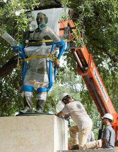 Taking down the statue of Jefferson Davis at the University of Texas