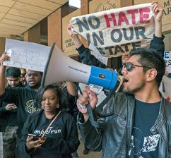 Students stand up to Trump's racism at the University of Wisconsin-Milwaukee (Joe Brusky   flickr)