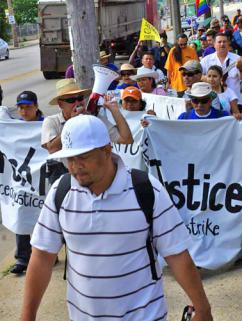 Palermo workers march to mark the one-year anniversary of their strike (Leslie Amsterdam)