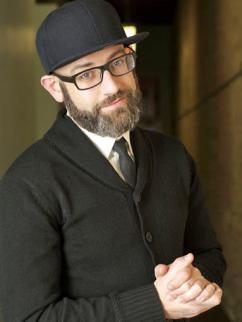 Kevin Coval (Roper Fuentes)