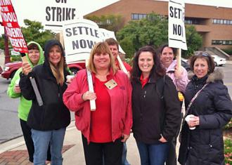 Reynoldsburg teachers hit the picket lines (REA)