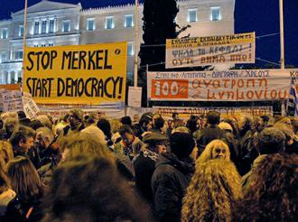 A rally in front of Greece's parliament building to fight for an end to the Memorandum and austerity (Sarah Levy | SW)