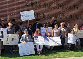 Community members rally in support of hunger strikers at the Merced County jail (Victoria Castillo | Live Free)
