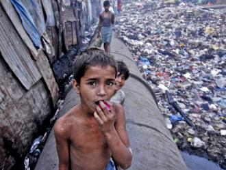 Kids living in the slum of Dharavi outside Mumbai