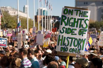 Tens of thousands protest the Proposition 8 same-sex marriage ban in San Francisco (Brian Cruz | SW)