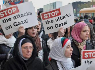 Chicagoans march against Israel's barbaric assault on Gaza (Carole Ramsden | SW)