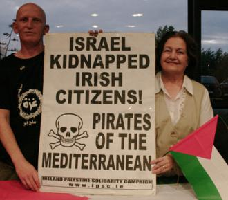 Irish activists Derek Graham and Mairead Maguire after their deportation from Israel (Free Gaza Movement)