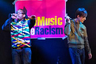 ReggiiMental performs with Matt Henshaw at a Love Music Hate Racism show (Paul Bednall)