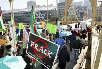 Protesters march against fracking in Pittsburgh