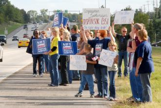Missouri postal workers and their families campaign for public support against the cuts  (Samantha Sunne)
