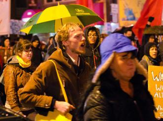 Occupy Boston on the march on November 17 (Tim Pierce)