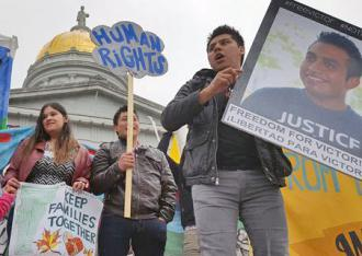 Supporters of Victor Diaz gather in front of the Vermont statehouse (Migrant Justice)