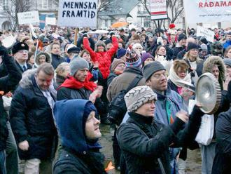 Protesters march during Iceland's saucepan revolution