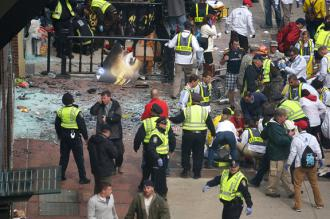 First responders tend to the injured following the Boston Marathon bombings (Aaron Tang)