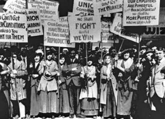 Members of the Amalgamated Clothing Workers on the picket line in 1915
