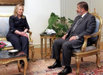 Secretary of State Hillary Clinton meets with Egypt's new president, Mohamed Morsi