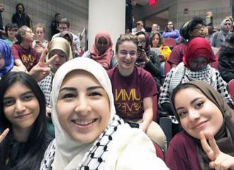Supporters of divestment at University of Minnesota  (Nora Nashawaty)