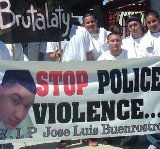 José Luis Buenrostro's friends at a demonstration demanding justice in May 2008 (Todd Chretien | SW)