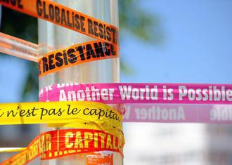 Protesting for global justice in Quebec (Guillaume Paumier)