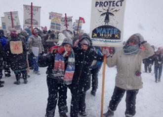 Water protectors in Standing Rock won't let a blizzard stop them (Dorian Bon | SW)