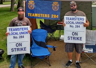 International Paper strikers on the picket line in Ohio (Ryan Marchese | SW)