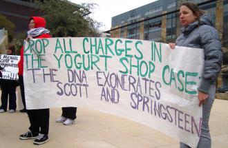 Members of the Campaign to End the Death Penalty demonstrate in support of the Yogurt Shop defendants (Matt Beamesderfer   SW)
