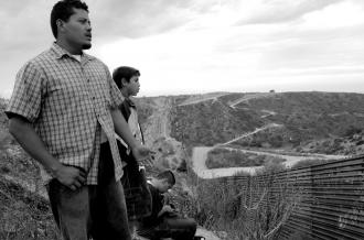 Looking out over the border wall between Tijuana, México, and the U.S. (Mizue Aizeki | Dying to Live)