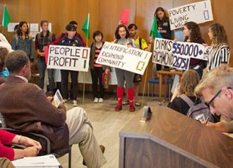 UC Berkeley students interrupt an administration meeting to demand an agreement for Richmond