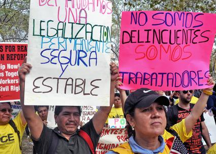 Immigrant workers rally in New York City to demand full legal and political rights (Michael Fleshman | flickr)
