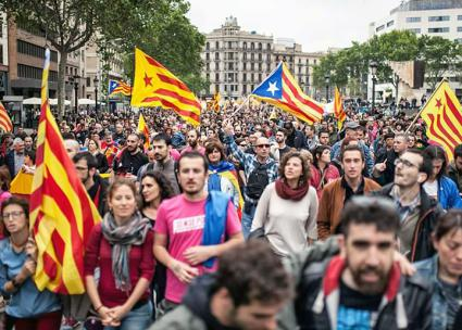 Thousands march in Barcelona before the independence referendum (CUP Països Catalans | Facebook)