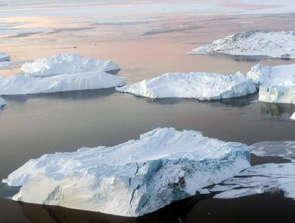 Melting ice sheets near Greenland (Mark Garten | United Nations)