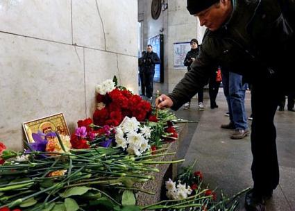 A memorial honors the victims of a bombing in the St. Petersburg metro