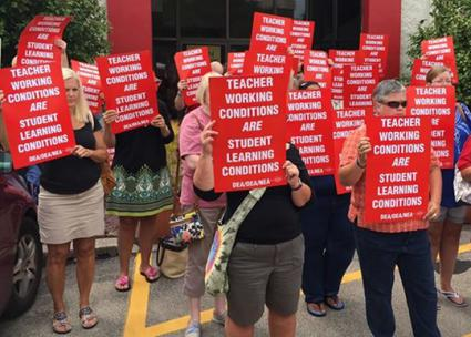 Teachers in Dayton, Ohio, stand up for a fair contract (Ohio Education Association | Facebook)