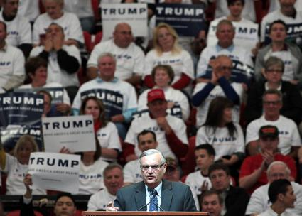 Joe Arpaio speaks on the campaign trail for Donald Trump (Gage Skidmore)