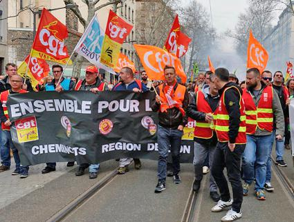 Striking rail workers march through the streets of Lyon, France (Secteur CGT Cheminots de Lyon | Facebook)