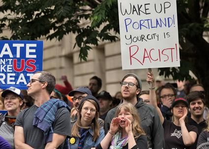 Anti-racists mobilize against the far right in Portland, Oregon (Joe Frazier)