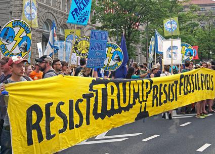 Protesters stand up to Trump at the People's Climate March in Washington, D.C. (Rainforest Action Network | flickr)