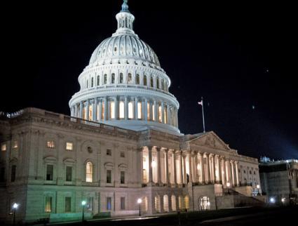U.S. Capitol building at night (Oscar Novoa | flickr)