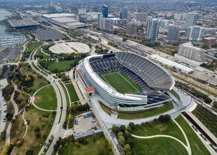 Soldier Field on Chicago's lakefront (Marco Verch | flickr)